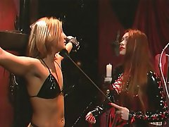 BDSM, Blondine, Latex, Rothaarige