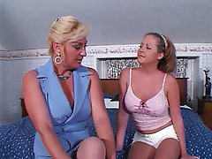 Lesbisch, Grosse Boobs, Blondine, Brünette