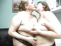 Lesbisch, Oma, Grosse Boobs