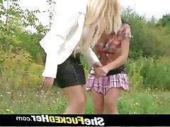 Blondýna, Lesbičky, Češi