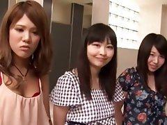 Asiaté, Žena nadvláda, Gangbang, Japonsko