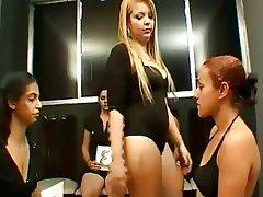 BDSM, Dominación Femenina, Fetichismo de Pies, Lesbianas