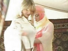 Hardcore, Lesbisch, Arabisch