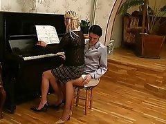 Lesbičky, Staré a mladé, Ruský