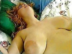 Büyük göğüsler, Lezbiyenler, Gözetlemek
