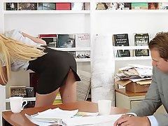 Kancelář, Sekretářka